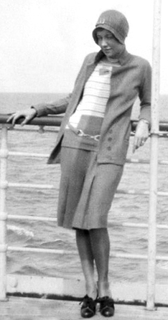 FlapperOnShip1929_crop